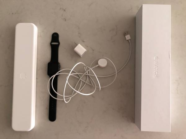 Photo Used Apple Watch S1 Space Gray Aluminum w Black Sport Band for Sale - $100 (Berkeley, Denver)