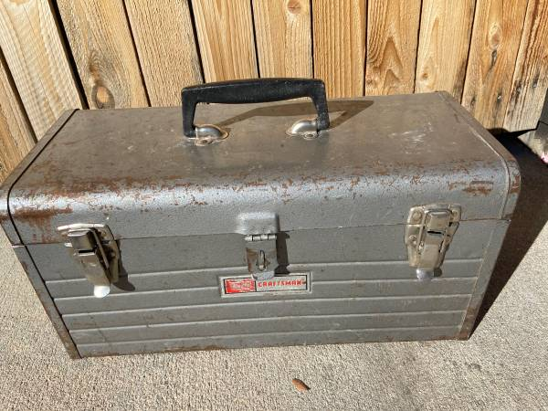 Photo Vintage Craftsman Metal Toolbox 18x8x9 - $15 (Littleton)