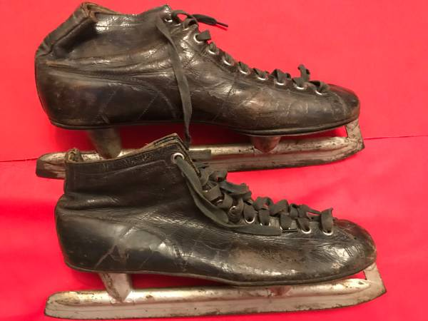Photo Vintage Ice Skates - $20 (Broomfield-Crofton Park)