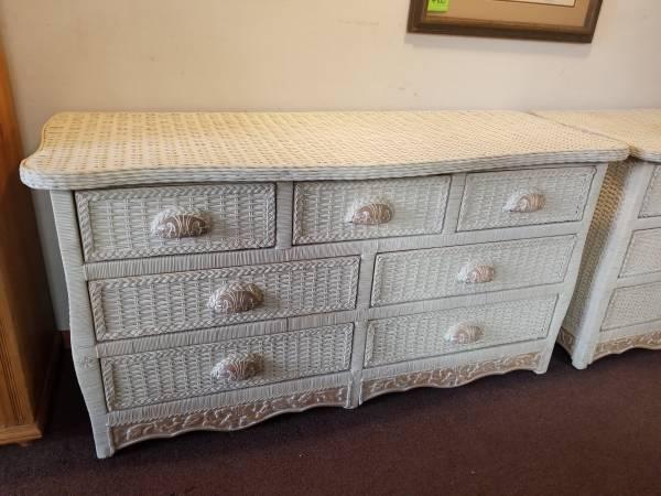 Photo White Wicker 7 Drawer Dresser  Country French - $249 (Denver W Mississippi ave)