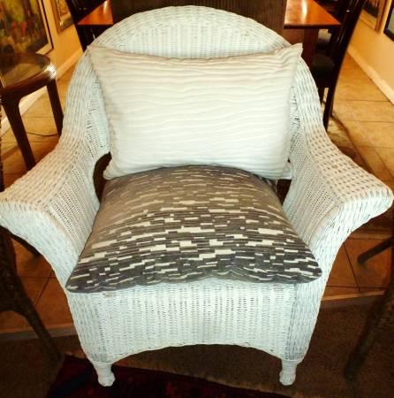 Photo White Wicker Chair - $35 (SE Denver)