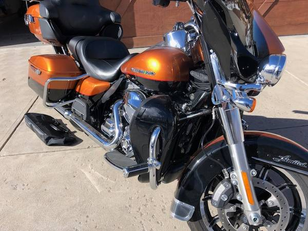 Photo Reduced 2014 Harley Davidson Ultra Classic Limited - $13,750 (Castle Rock)