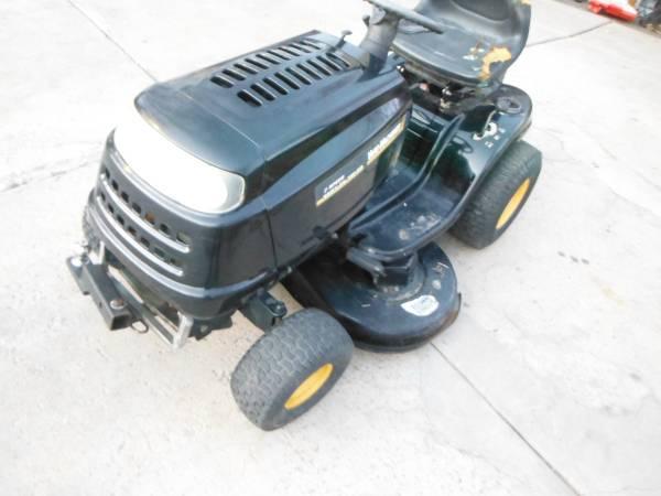Photo yard machines 42 inch 17.5 hp riding mower - $450 (parker)