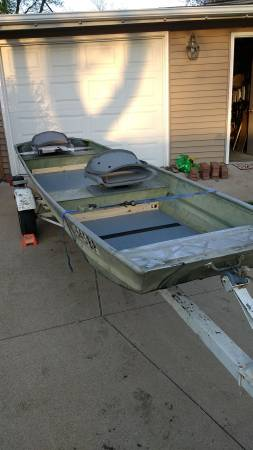 Photo 1439 Jon Boat NO MOTOR or TRAILER - $375 (Hiawatha)