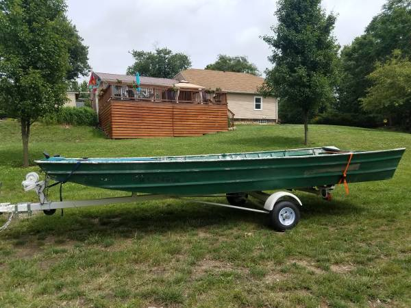 16 FLAT BOTTOM EXTRA WIDE EXTRA DEEP! - $900 (Mineral) | Boats For
