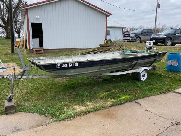 Photo 16ft Flat Bottom Boat - $2,500 (Knoxville)