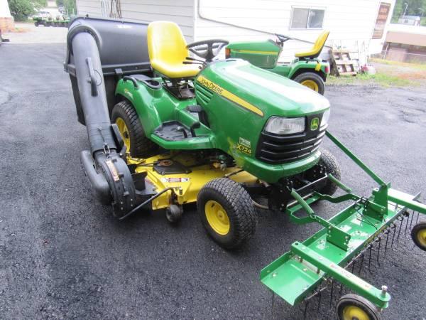 Photo 2011 John Deere X724 62quot Deck Dethatcher-Bagger - $7,800 (Des Moines)