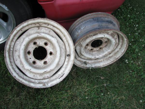 Photo 2 mid 60s 16quot Chevy truck steel wheels - $50 (Saylor Twsp 1 mile North of Des Moines)