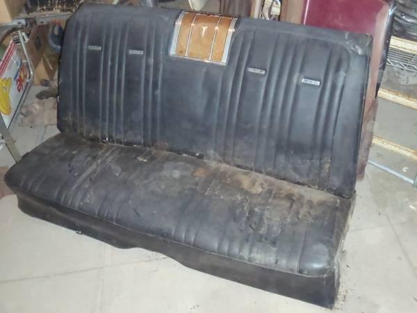 Photo 65 66 67 68 CHEVY IMPALA BUICK PONTIAC CONVERTIBLE REAR BACK SEAT - $300 (SE IOWA)