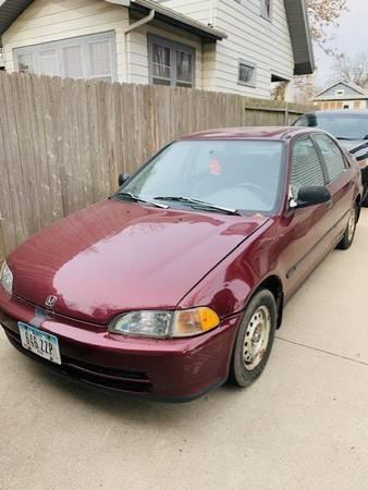 Photo 92 Honda Civic DX Sedan - $2,200 (Des Moines)