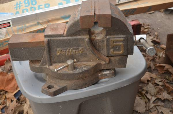 Photo Bench Vise, 5 inch massive Buffalo and Small double tilt swivel Wilton - $110 (east des moines)