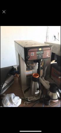 Photo Bunn coffee maker and Royalcup tea brewer - $100 (Johnston)