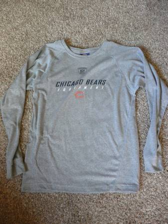 Photo Chicago Bears dry fit long sleeved shirt-Youth - $5 (SE Des Moines)