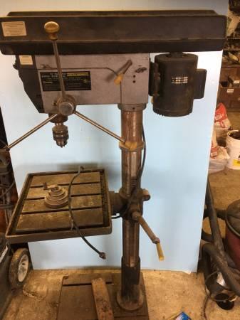 Photo Drill press - $250 (Redfield)