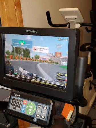 Photo EXPRESSO S3U Interactive Exercise Bike  Peloton quotishquot - Fitness Equip - $1500 (Wilton)