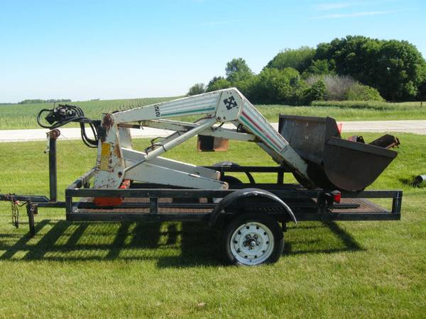 Photo For Sale Farmhand All Hydraulic Tractor Loader - $1,250 (Webster City)