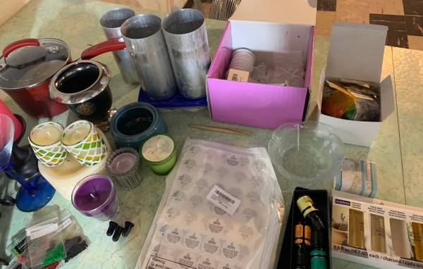 Photo Going out of business Candle making supplies Wax, scents, wicks, etc.. - $150 (Ankeny)