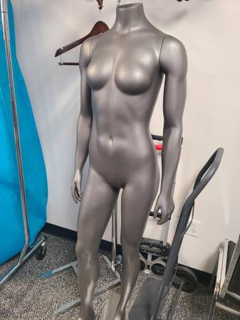 Photo Hard body mannequins - female  male - $300 (Urbandale)