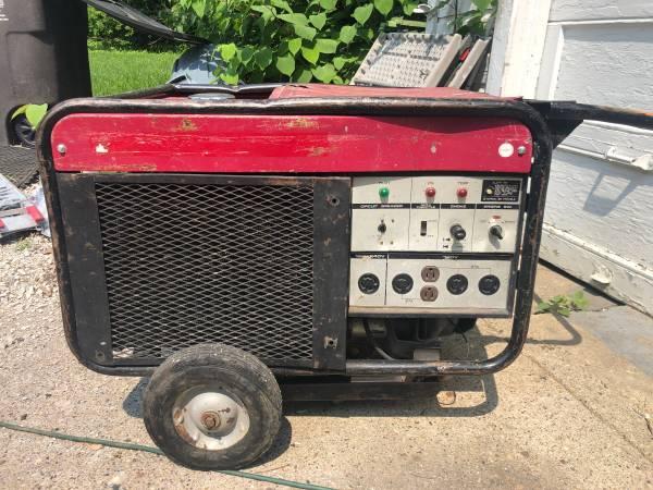 Photo Honda ES 6500 Generator - $250 (Des Moines)