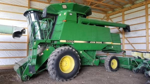 Photo John Deere 9500, 920, trailer - $17000 (Greenfield)