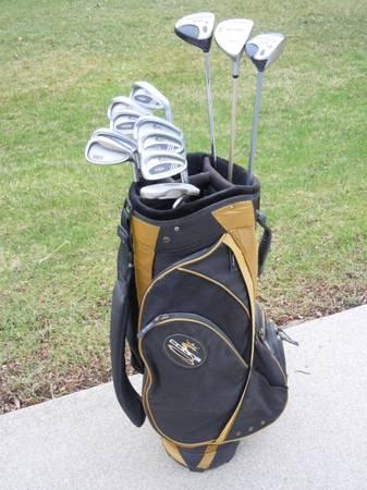 Photo Mens Golf Clubs, Cobra Cart Bag, VG - $120 (Johnston, IA)