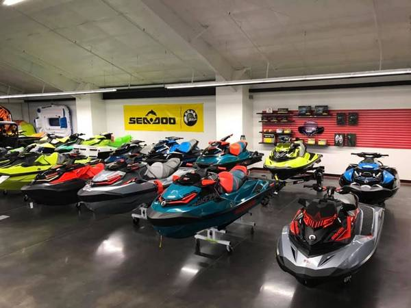 Photo NEW 2019 SEA DOO BLOWOUT SAVINGS SALE YACHT CLUB POWERPSORTS (Osa (Osage Beach)