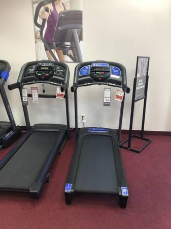 Photo New Horizon T202 Treadmill - $799 (Johnson Fitness and Wellness Clive)