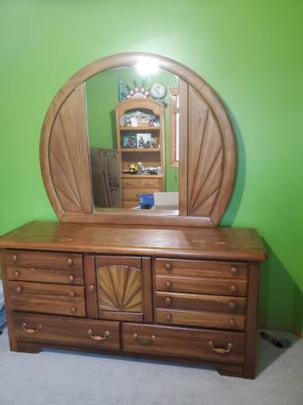 Photo Oak dresser with mirror, armoire and night stand - $250 (ANKENY)