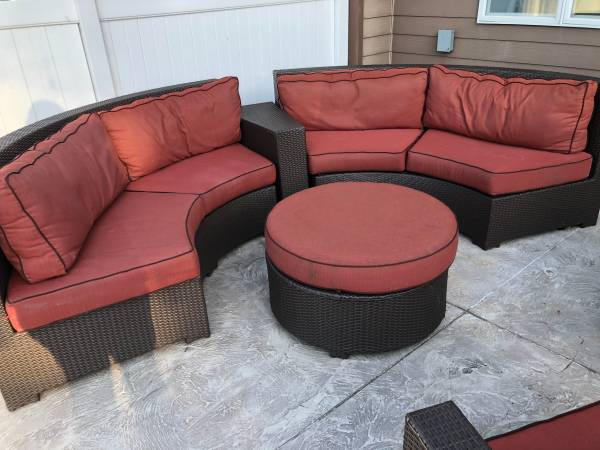 Photo Outdoor furniture 6 piece set - $1,100 (Carlisle)