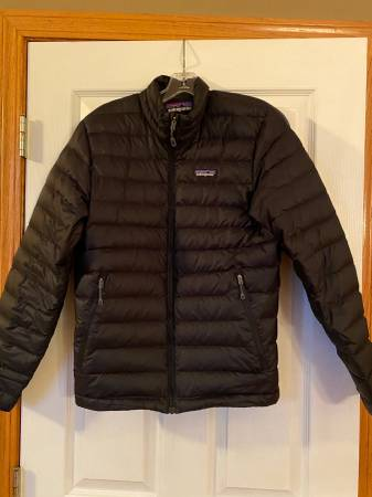 Photo Patagonia Mens Down Jacket - $100 (West Des Moines)
