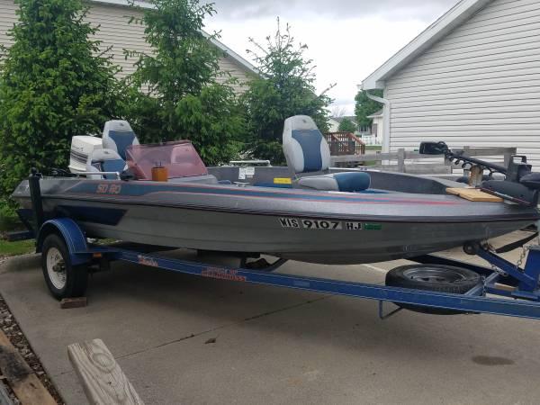 Photo Skeeter Bass Boat - $5,000 (Story City)