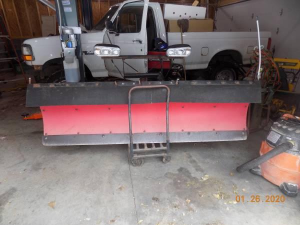 Photo Snow Plow 7.6 poly boss plow - $1800 (desmoines)