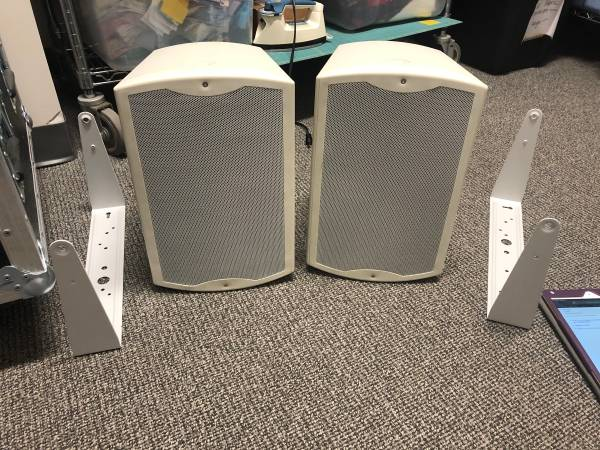 Photo Tannoy Di8 DC-WH-PAIR--Dual Concentric Wall Mounted Speaker -Whit - $325 (Urbandale)