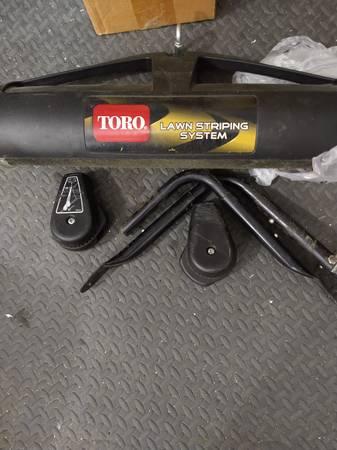 Photo Toro mower striping kit - $45 (Prairie City)