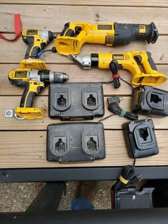 Photo Used 18 volt Dewalt cordless tools - $400 (Boone)