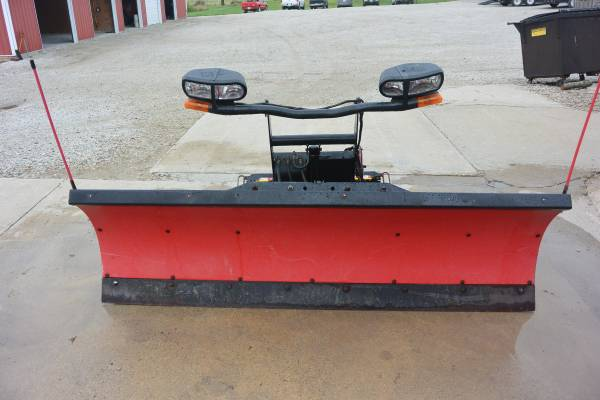 Photo Used 2006 BOSS 7396quot poly straight blade snow plow - $2,800 (Creston)