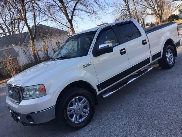 Photo White 2007 Ford F-150 Lariat 4X4 Truck - $9,550 (Waukee)