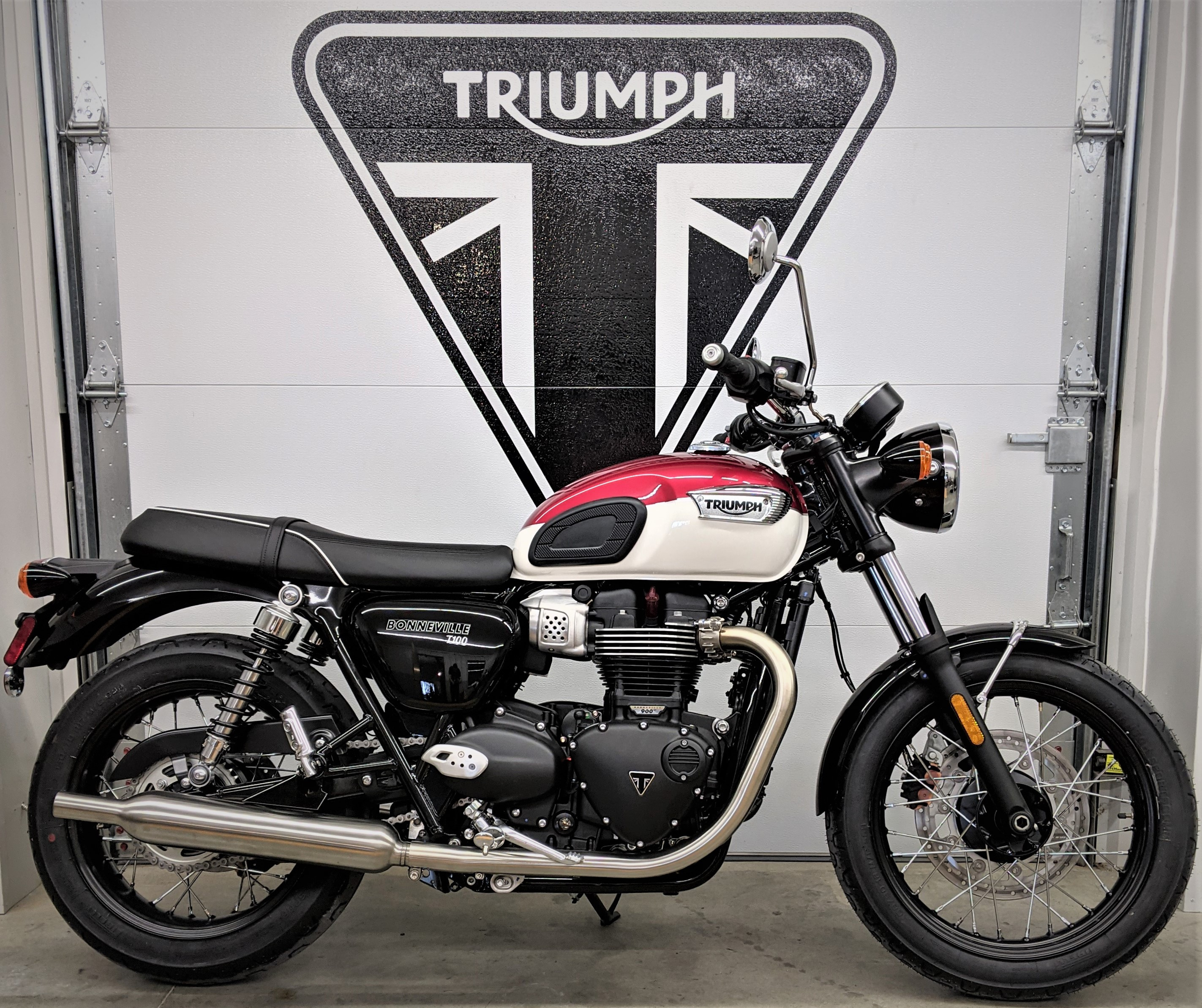 Photo 2022 Triumph BONNEVILLE T100 $11000