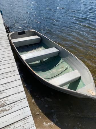 Photo 12 foot Sears Aluminum Boat - $350 (Holly)