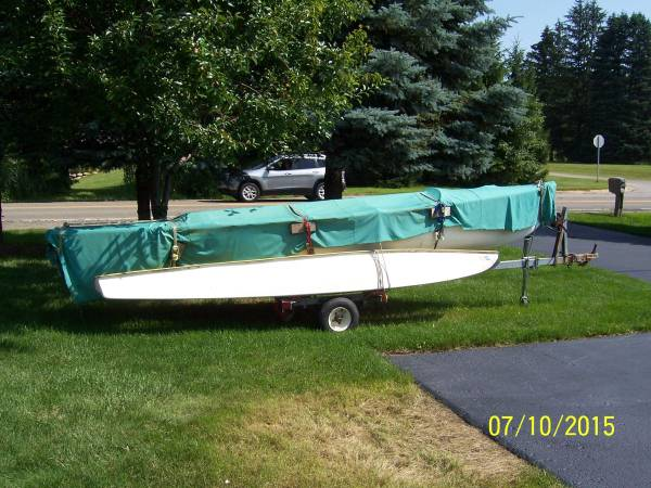 Photo 18FT Trimaran Sailboat and Trailer - $1900 (Holly, MI)