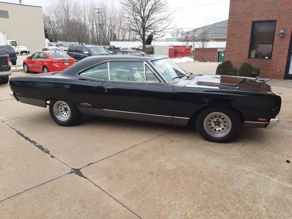 Photo 1969 Plymouth Gtx black with white guts. - $21900
