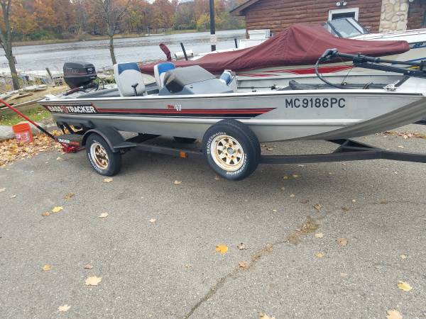 Photo 1989 BASS TRACKER PRO 17 - $3,650 (WATERFORD)