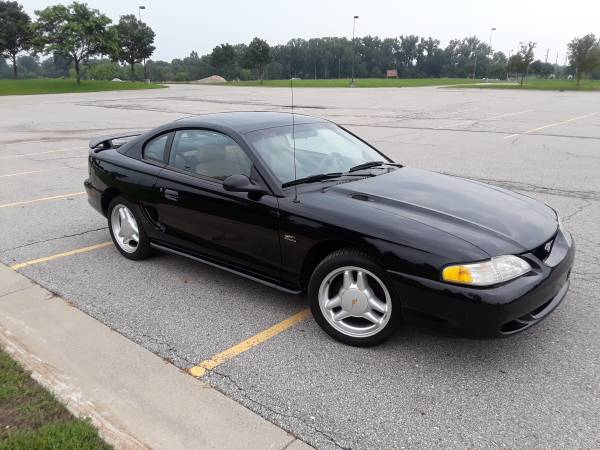 Photo 1995 Ford Mustang GT Coupe Low Miles  Super Clean - $6,500 (Shelby Township, MI)