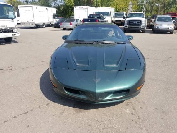 Photo 1997 pontiac firebird formula - $2,500 (canton)