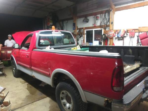 Photo 1999 Ford 250 four by four Lariat with commercial Western Snow Plow 54 - $5,390 (Holly)