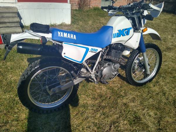 Photo 1999 Yamaha XT 350 Dual Sport Motorcycle (1200 original miles gorgeous - $3700 (St Clair shores)