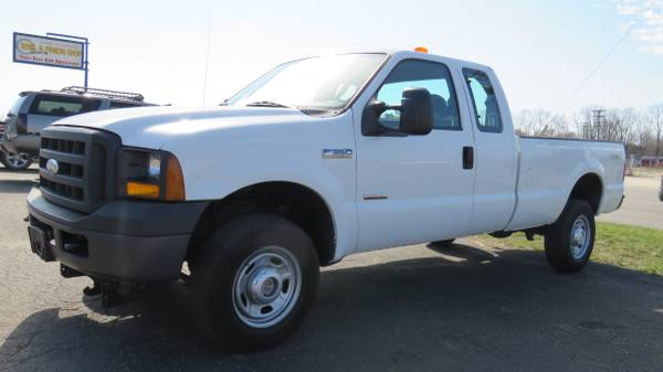 Photo 2007 FORD F350 4X4 diesel Ext Cab Long Bed Clean West Coast Truck - $14,900 (Clinton Township)