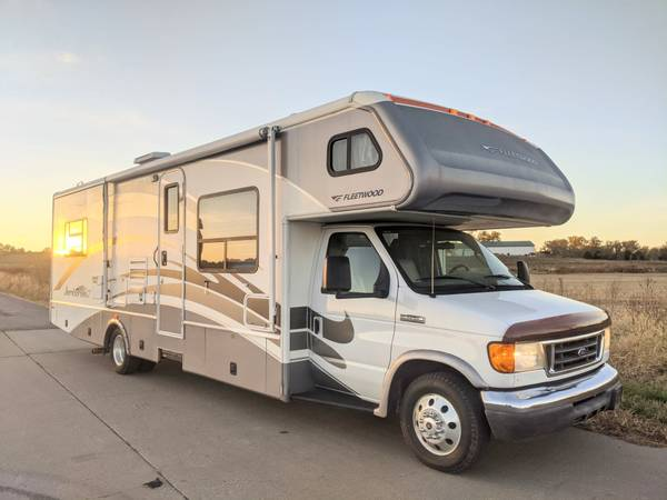 Photo 2007 Fleetwood Jamboree GT 31L with Slide Out Ford E450 V10 - Immac A - $34,950 (Kansas City)