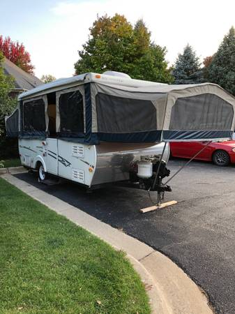 Photo 2008 StarCraft Centennial Pop-up Which slide out also AC And heat - $8,500 (Sterling Heights)