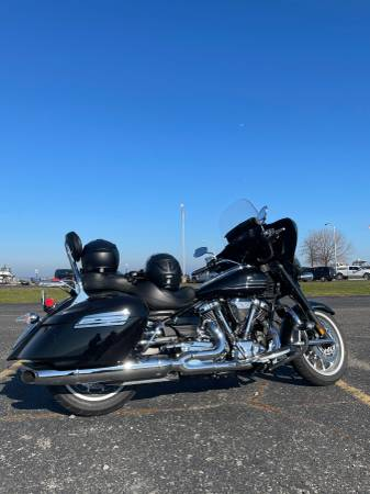 Photo 2011 Yamaha Stratoliner Deluxe (pending) - $6,000 (Shelby Township)